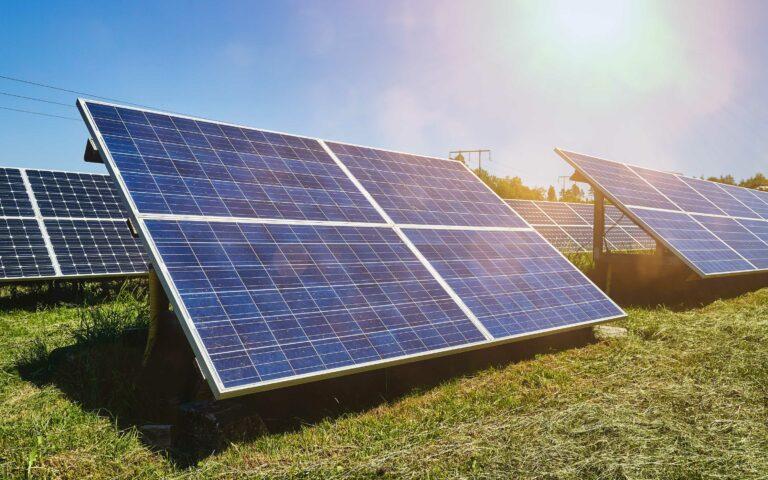 Nu bygger vi en stor solpark tillsammans – och du kan äga en egen del direkt i parken